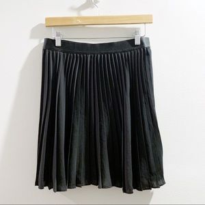 Express Black Pleated Swing Skirt Size Small NWT